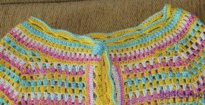 palto-mnogocvetik-kruchkom-gorlovina